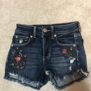 Super cute flowers on shorts